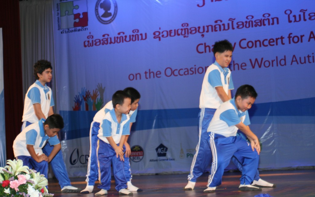 Kids of VAC perform Gangnam Style